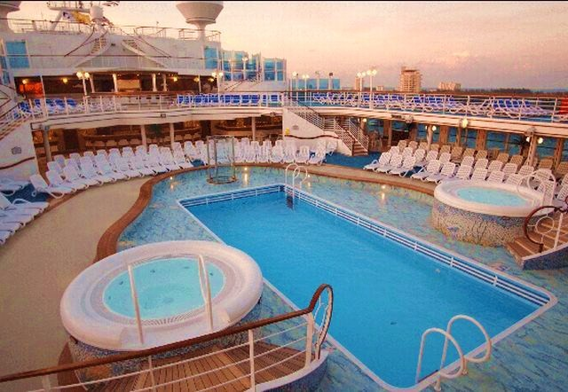 CARIBBEAN PRINCESS ****